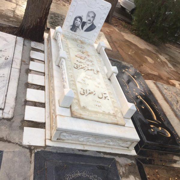 سنگ قبر سفید سفارشی با ستون و قرنیز